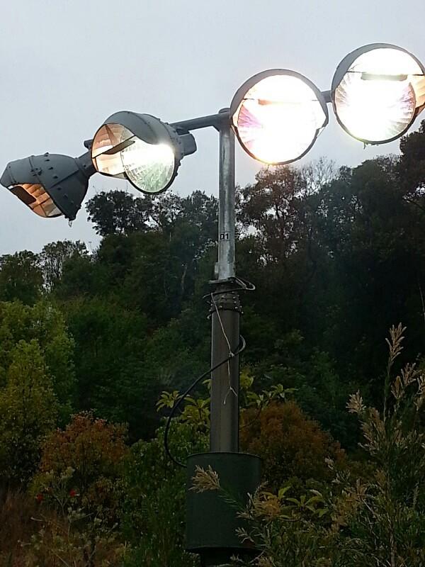 4x 2000W metal halide lamps